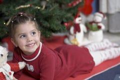 可爱的圣诞节女孩时间 免版税图库摄影