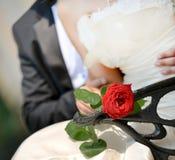可爱的婚礼夫妇 库存照片
