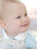 可爱的浅蓝色男孩逗人喜爱的眼睛 库存照片