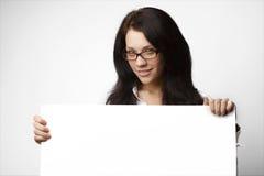 可爱的深色的女商人 免版税库存照片