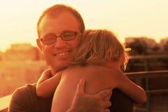 可爱的父亲和女儿 库存照片