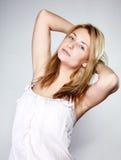 可爱的白肤金发的妇女没有组成 库存图片