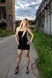 可爱的白肤金发的时尚女孩 库存图片