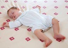 可爱的睡觉的小男孩 库存照片