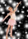 可爱的矮小的芭蕾舞女演员 免版税库存照片