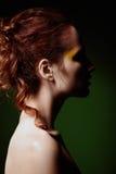 可爱的红发妇女特写镜头画象  配置文件视图 图库摄影