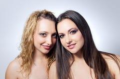可爱的纵向二妇女 库存图片