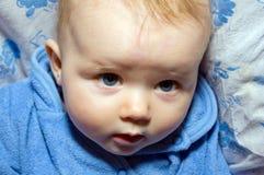 可爱的逗人喜爱的小的婴孩特写镜头画象 免版税库存图片