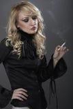 可爱的金发碧眼的女人 免版税库存图片