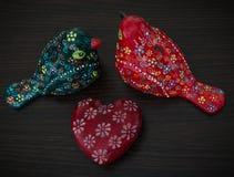 可爱的陶瓷鸟 免版税库存照片