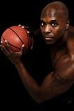 可爱的黑人男性蓝球运动员 免版税库存照片