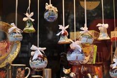可爱的水晶球装饰 免版税库存图片