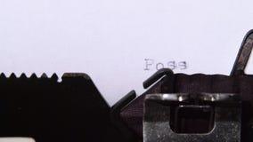 可能的是在打字机的词 关闭 股票视频