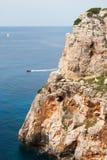 可膨胀的小船和风船和En搬运工海湾海角  图库摄影
