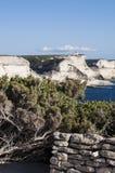 可西嘉岛, Bonifacio,灯塔, Bonifacio,海滩,地中海,石灰石,峭壁,岩石, Bouches de Bonifacio海峡  免版税图库摄影