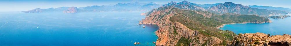 可西嘉岛 超级宽全景沿海风景 免版税库存照片