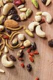 可食的昆虫和坚果 图库摄影