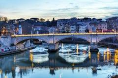 台伯河Ponte桥梁维托里奥Emanuele III罗马意大利 免版税库存照片