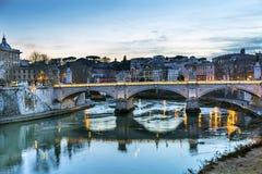 台伯河Ponte桥梁维托里奥Emanuele III罗马意大利 库存图片