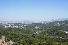 台北台北101和都市风景从Maokong,台湾, ROC的 库存照片