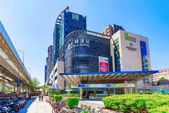台北汽车站和Q方形的商城 库存图片