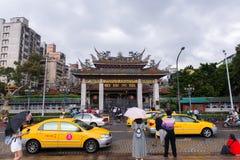 台北,台湾7个0CTOBER, 2017年:Lungshan寺庙是佛教寺庙 图库摄影