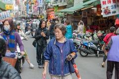 台北,台湾- 2016年11月30日:台北街在一个郊区中,区 农贸市场在台北 图库摄影