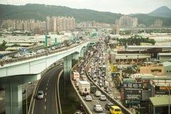 台北, TIWAN - 10月7,2017 :交通堵塞在高峰时间内 免版税库存图片