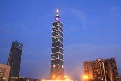 台北101,高层建筑物在台北,台湾, ROC夜场面 库存照片