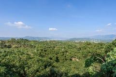 台南,台湾11月17日2017年:美好的风景在旅游业和照片射击的白色教会公园 库存图片