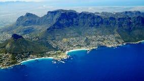 台式山开普敦南非鸟瞰图  免版税库存照片