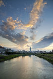台湾台北市河和天空 库存照片