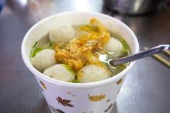 台湾快餐,冬天粉末,鱼丸汤,旗鱼,鱼丸汤, 免版税图库摄影