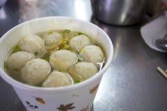 台湾快餐,冬天粉末,鱼丸汤,旗鱼,鱼丸汤, 免版税库存照片