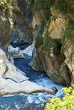 台湾美丽的岩石小河 库存照片