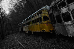 台车坟园黑&白色spash黄色 库存图片