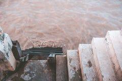 台阶到海里 库存照片