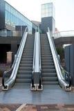 台阶和自动扶梯 免版税库存图片