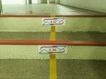 台阶在办公室 免版税库存图片