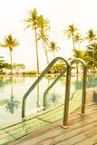 台阶在美好的豪华旅馆水池手段- Vin的游泳池 图库摄影