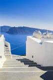 台阶,从圣托里尼海岛,希腊的海视图 库存图片