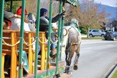 史丹利公园和用马拉的支架的游人 免版税图库摄影