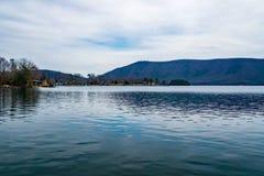史密斯Mountain湖和史密斯山,弗吉尼亚,美国 免版税库存照片