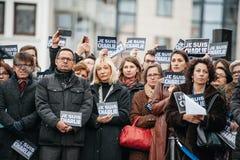 史特拉斯堡举行在巴黎攻击杀害的那些的沈默守夜 免版税图库摄影