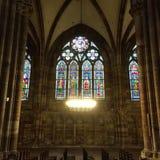 史特拉斯堡大教堂五颜六色的玻璃窗  库存照片