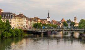 史特拉斯堡市看法在不适的河,阿尔萨斯,法国的 免版税库存图片