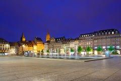 史特拉斯堡日落到位Kleber广场。背景的大教堂。阿尔萨斯,法国 免版税图库摄影