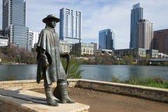史蒂维・扁鳐・沃恩雕象在奥斯汀得克萨斯 库存图片