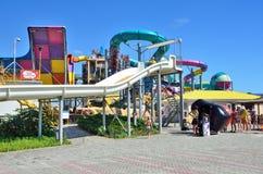 叶夫帕托里亚,克里米亚, 2016年7月, 06日 Aquapark `香蕉共和国`在Evpatoria,最大在克里米亚 免版税库存图片