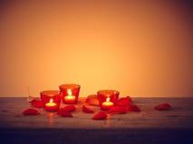 叶子蜡烛桌 库存图片